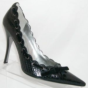 Guess by Marciano 'Colette' black snake pumps 7.5M